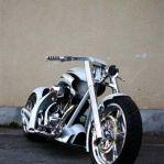 dreamachine-motorcycles 02 White Racer.jpg