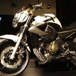 Yamaha-XJ6 01.jpg
