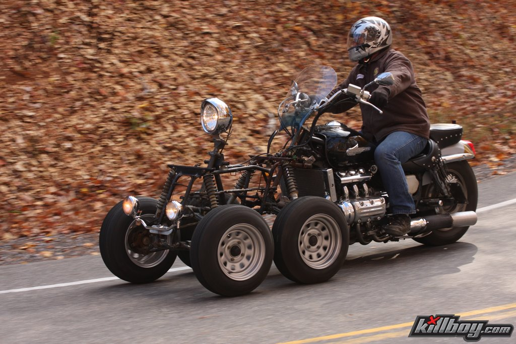 honda-valkyrie-5-wheels-01